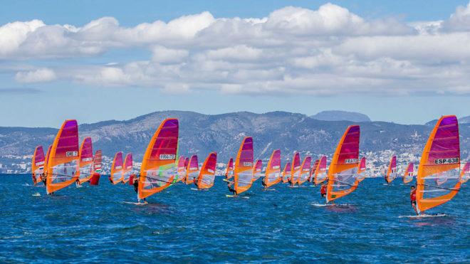 Flota de RS:X entrenando en Mallorca.