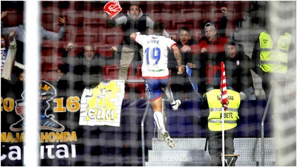 Aitor Ruibal celebra uno de sus goles