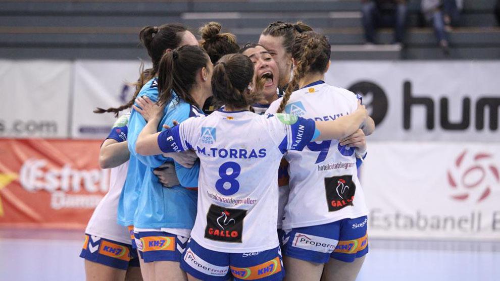 Las jugadoras del Granollers celebran la victoria ante el Bera Bera /