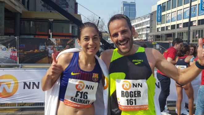 Marta Galimany y su 'liebre', Roger Roca, tras cruzar la meta en...