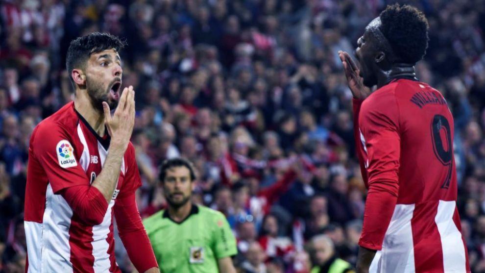 Kenan y Williams celebran el segundo gol  frente al Atlético.