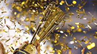 El trofeo de la Copa Oro