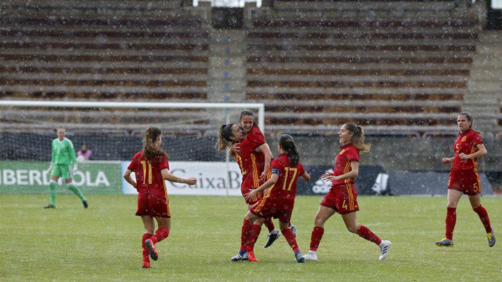 Las jugadoras de la selección española celebran un gol en la Ronda...