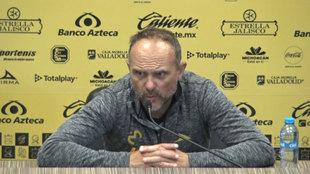Javier Torrente en conferencia de prensa