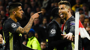Cristiano Ronaldo celebra su gol al Ajax en Ámsterdam