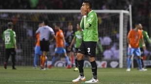Luis López se lamenta durante la final de Copa ante el América.