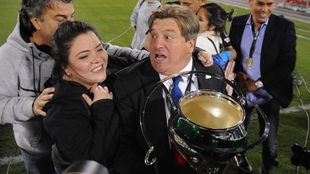 Herrera festeja el título de Copa con su familia