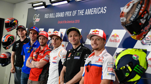 Roberts, Rins, Dovizioso, Márquez, Rossi y Miller.