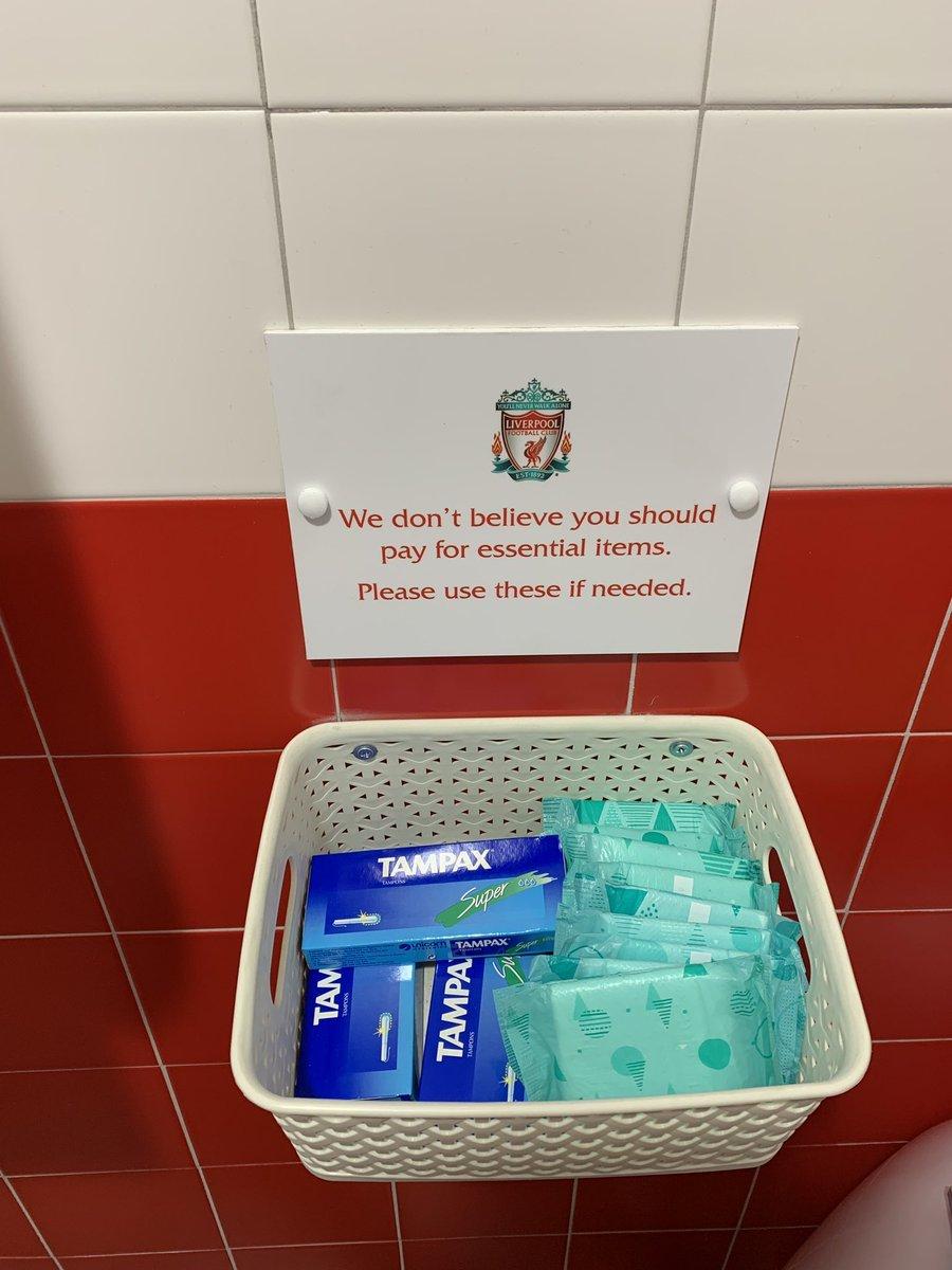 El Liverpool ofrece compresas y tampones gratis a sus seguidoras en...