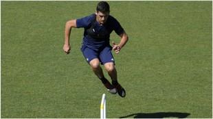 Garrido realiza un ejercicio en su vuelta a los entrenamientos con el...