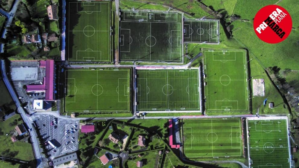 Panorámica aérea de la Escuela de Mareo, con los campos de fútbol...