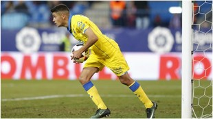 Mateo García, con el balón durante un partido