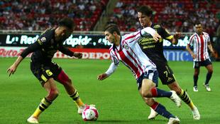 Monarcas y Chivas medirán fuerzas en la jornada 14 de la Liga MX.