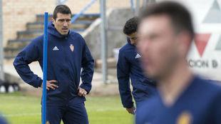 Zapater, durante un entrenamiento con el Real Zaragoza.