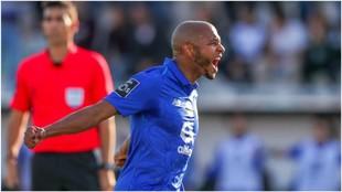 Brahimi celebra su gol contra el Portimonense.