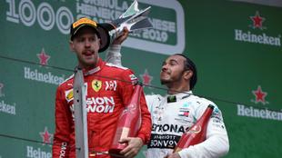 Vettel, por delante de Hamilton en el podio.