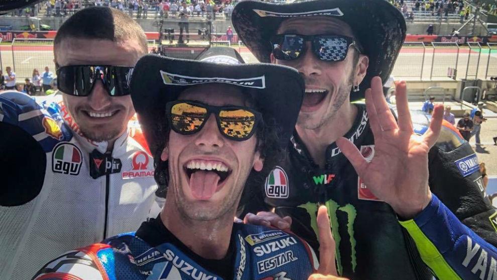 Miller, Rins y Rossi, en el podio.