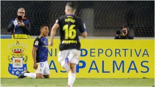 Machís celebra su tercer gol a Las Palmas