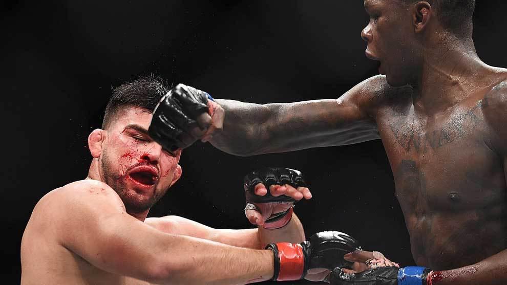 Israel Adesanya le ganó a Kelvin Gastelum una espectacular pelea en...