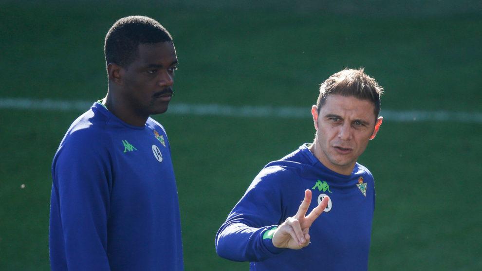 William Carvalho y Joaquín, en un entrenamiento.