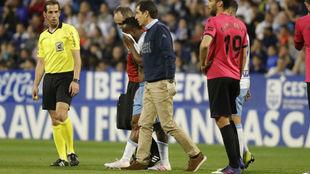 Igbekeme tuvo que ser sustituido por lesión.