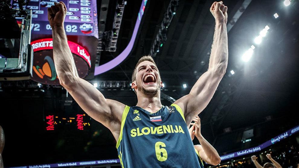 Nikolic celebra el triunfo de Eslovenia en el Eurobasket
