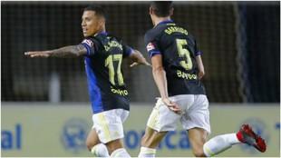 Machis celebra uno de sus tres goles a Las Palmas