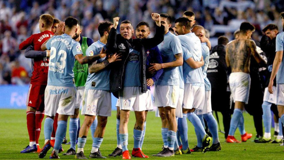 Los jugadores celebrando un triunfo en Balaídos (Foto: EFE).