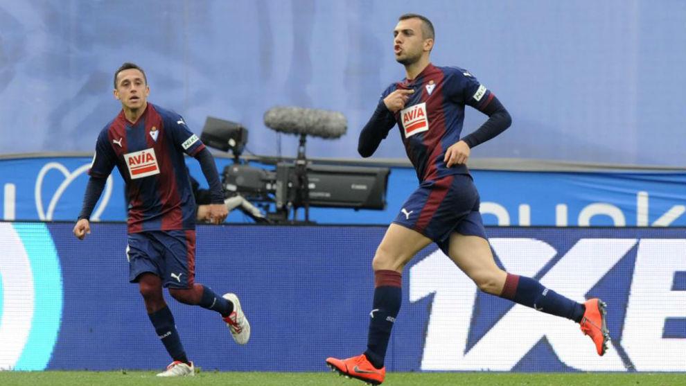 Jordán celebra su gol ante la Real Sociedad.