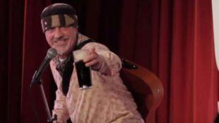 El monologuista Ian Cognito falleció en el escenario en plena...