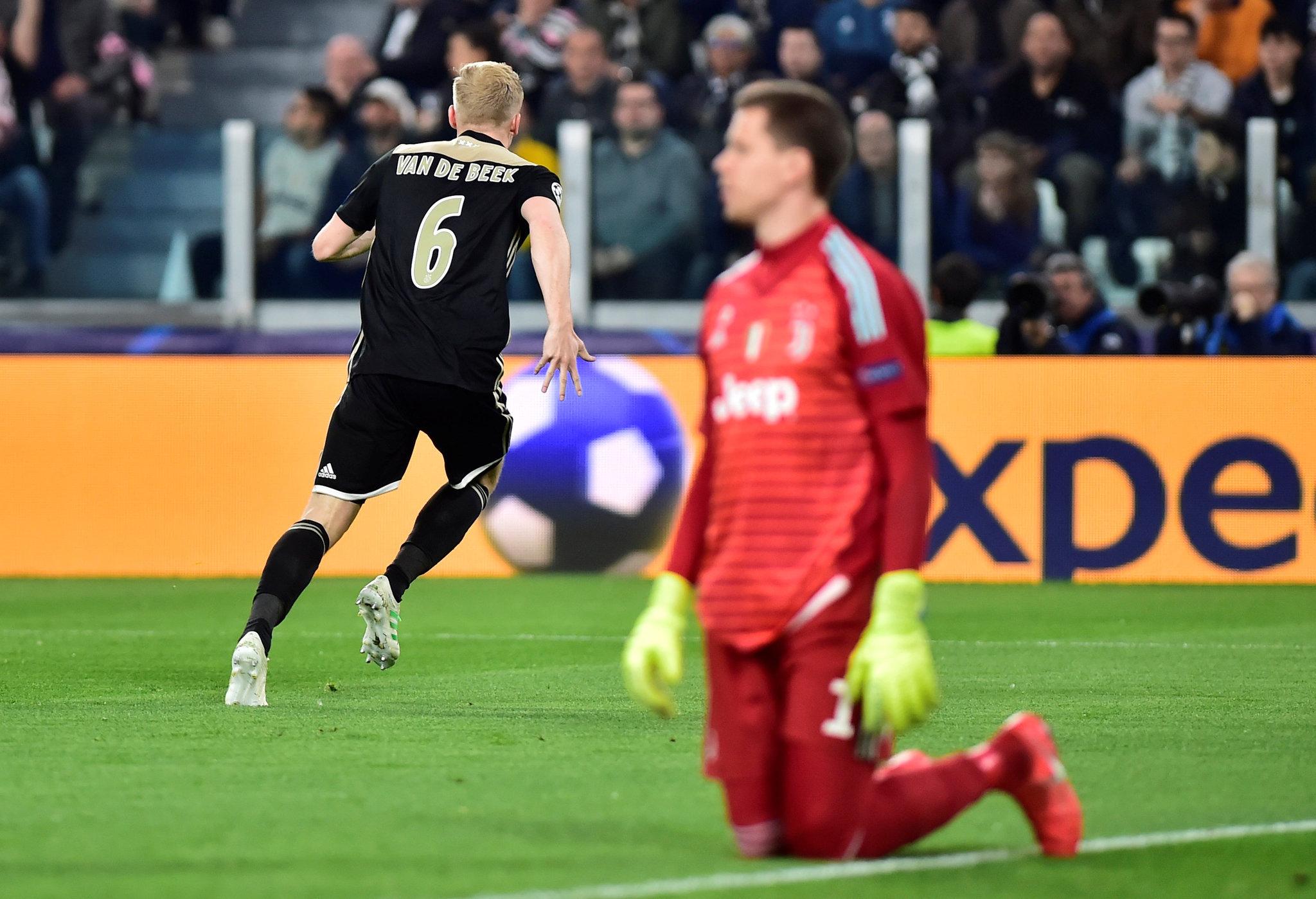 El AJAX sigue sorprendiendo, ahora deja fuera a CR7 y a la Juventus 15554492399891
