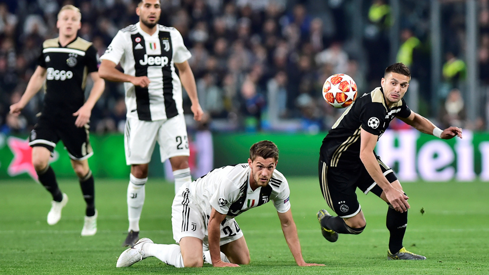 El AJAX sigue sorprendiendo, ahora deja fuera a CR7 y a la Juventus 15554512305513
