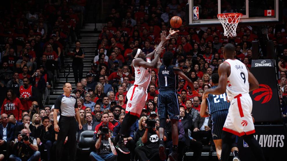 Los Raptor ganaron el juego 2 por 111 a 82.