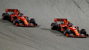 Leclerc, por delante de Vettel.