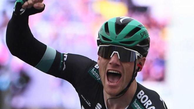 Sam Bennett, celebrando una victoria.