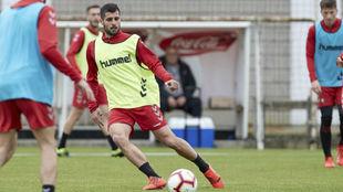 Fran Mérida, en el último entrenamiento con Osasuna.