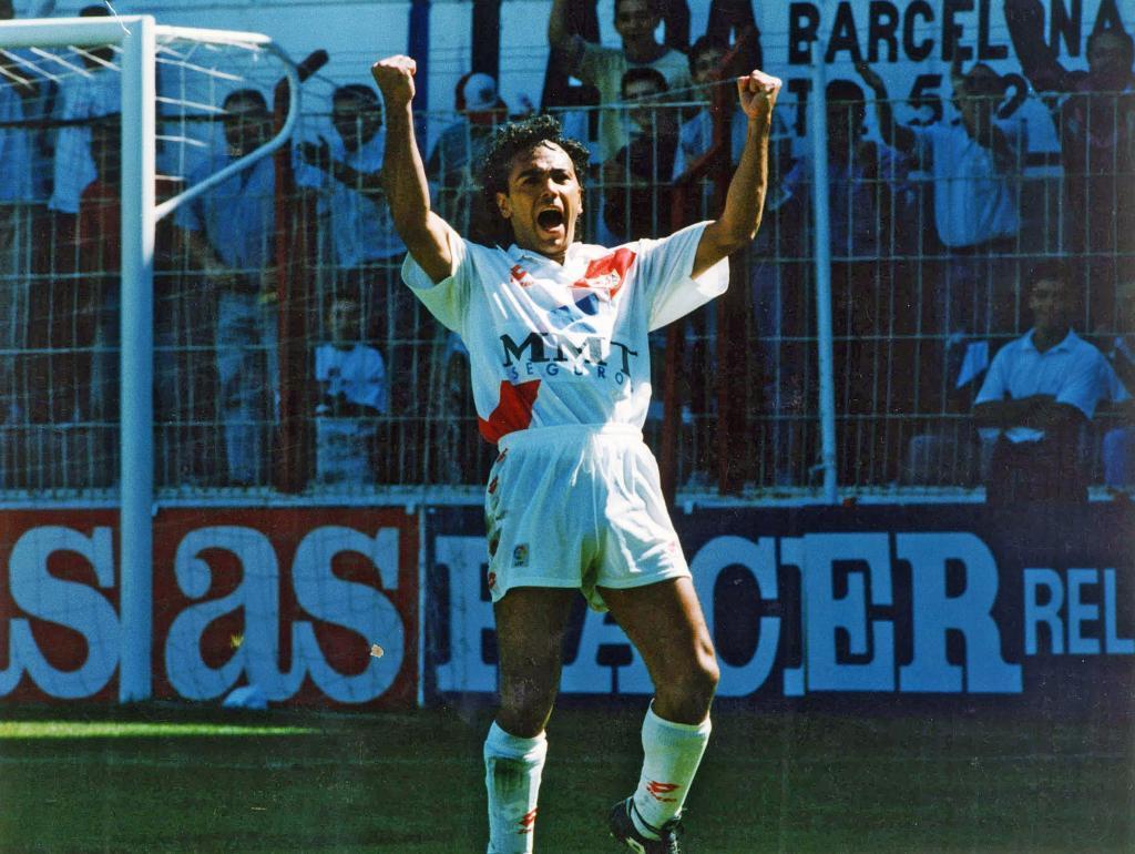 Hugo Sánchez, festejando un gol con el Rayo Vallecano.
