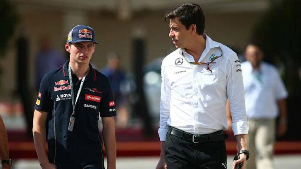 Max Verstappen y Toto Wolff.