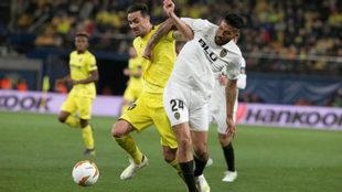 Garay en el partido de ida jugado en Villarreal.