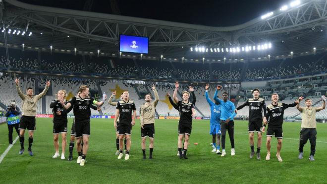 Los jugadores del Ajax celebran el pase a semifinales /