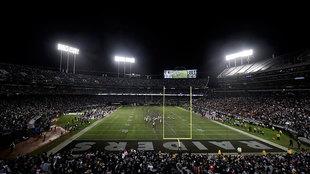 Panorámico del estadio de Oakland durante un partido ante Denver.