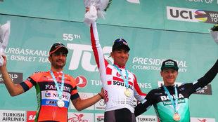 Lobato, Ewan y Bennett, en el podio.