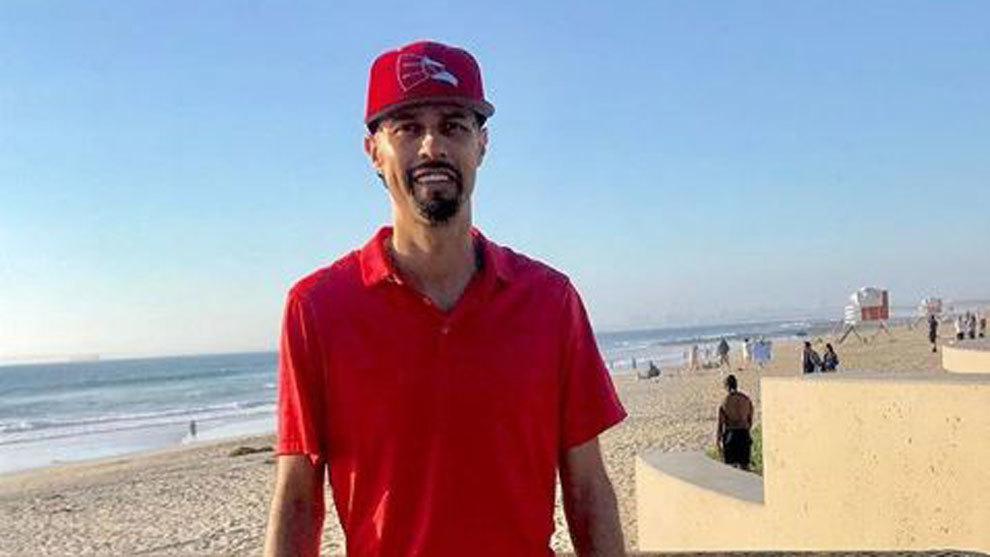 Esteban Loaiza visitó la playa en su último día, antes de ingresar...