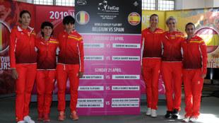 Las jugadoras del equipo español y la capitana, Anabel Medina