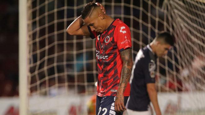 Los Tiburones Rojos no dan una en la Liga MX.