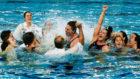 Las jugadoras del Sabadell celebran su victoria al término de la...