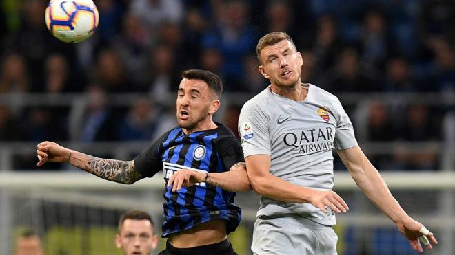 Un lance del juego entre Inter y Roma.