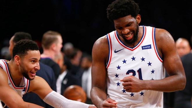 Embiid volvió a la titularidad con los 76ers de gran manera