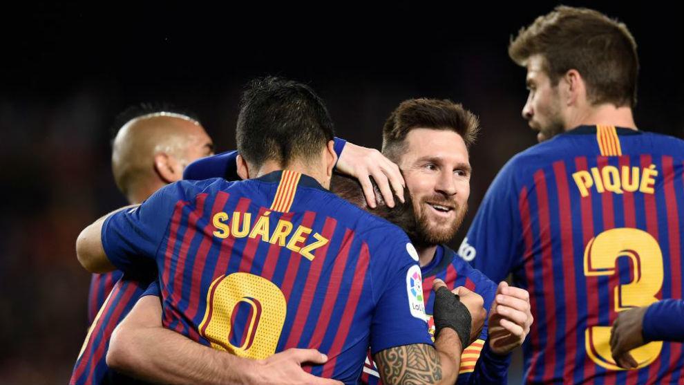La plantilla celebra uno de los goles contra la Real Sociedad