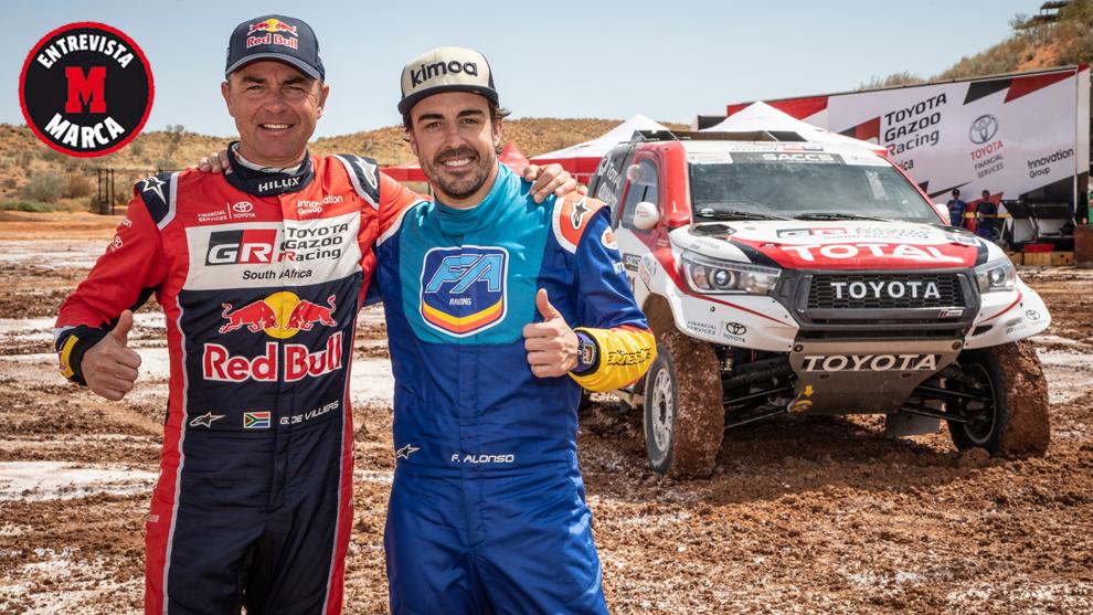 Giniel de Villiers y Fernando Alonso, durante el test con Toyota en...
